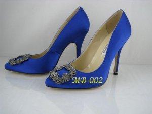 olo-Blahnik-blue-Diamond-Clasp-Satin-Pumps-490_LRG